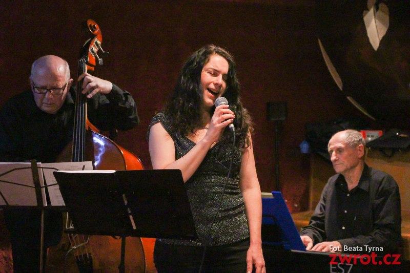 Śpiewu Dariny Krygiel wraz z Milan Vilč Trio posłuchać będzie można w Dziupli