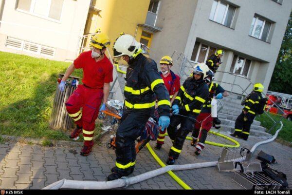 Województwo ogłosiło zbiórkę publiczną dla poszkodowanych w pożarze bloku w Boguminie