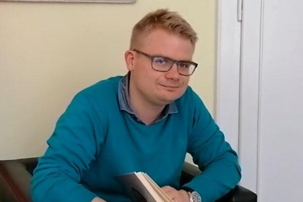 Wiersz Anieli Kupiec czyta Tomasz Pustówka