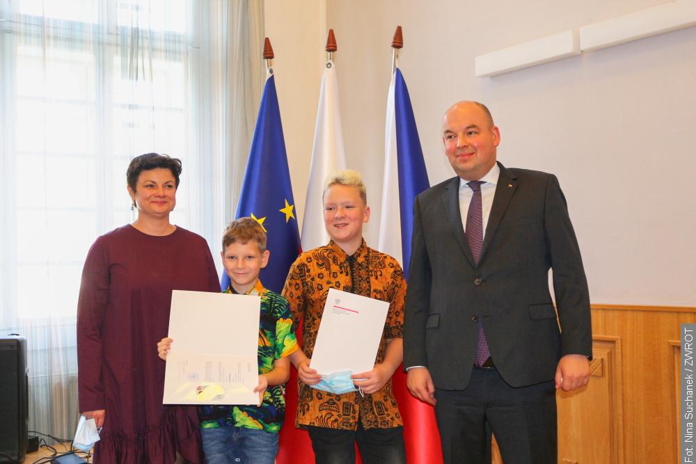 Minister wręczył kolejne Karty Polaka