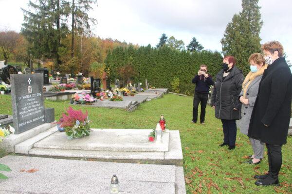 Konsulat pamięta. W ważnych miejscach pamięci na Zaolziu zapalono świece