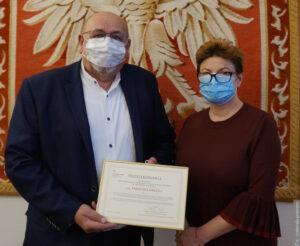 Konsul podziękowała Tadeuszowi Gryczowi za pracę na rzecz polskiego szkolnictwa