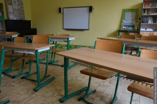 Dzieci w Czechach nie wrócą do szkół w poniedziałek