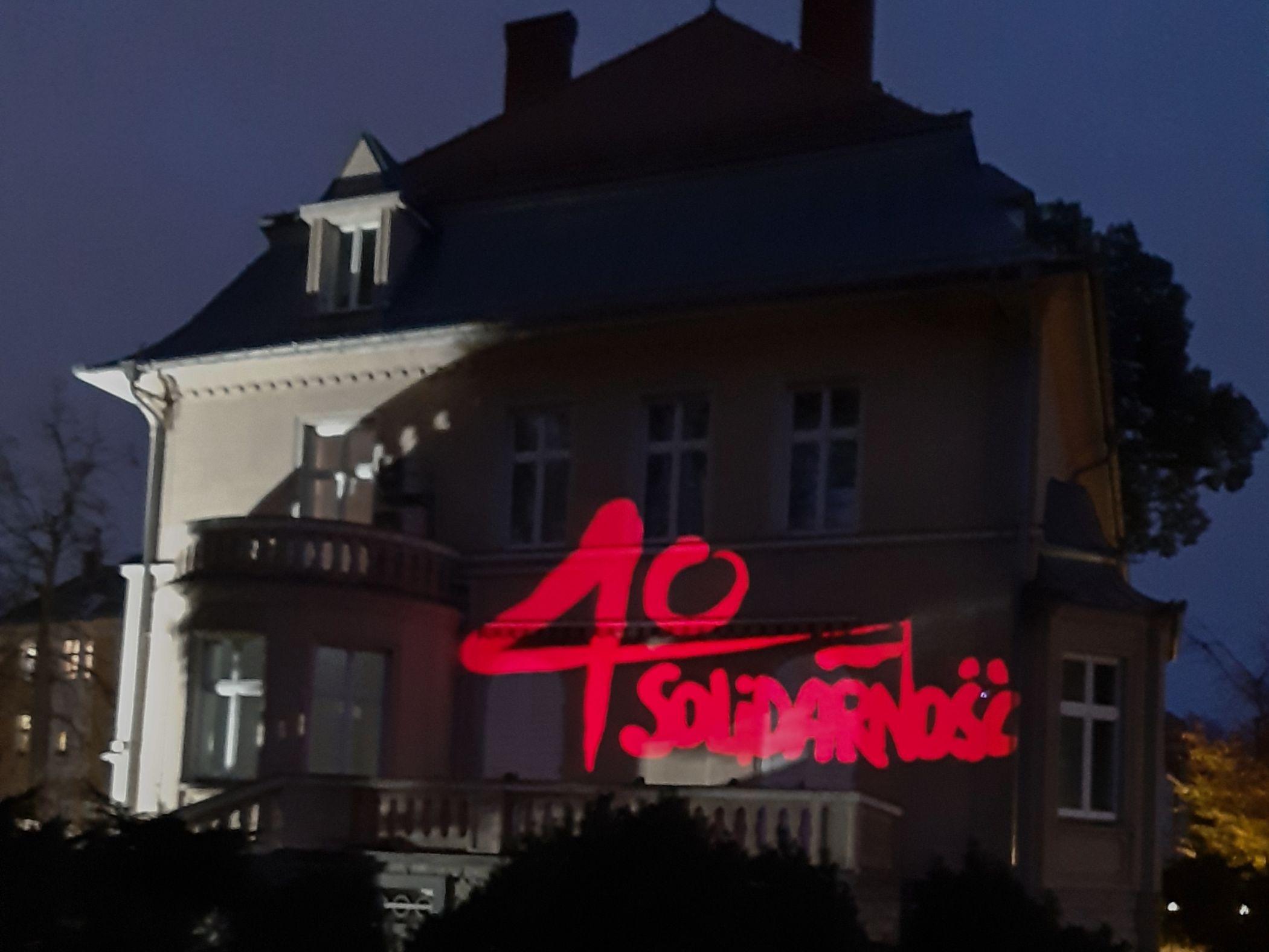 Solidarność na budynku Konsulatu Generalnego w Ostrawie