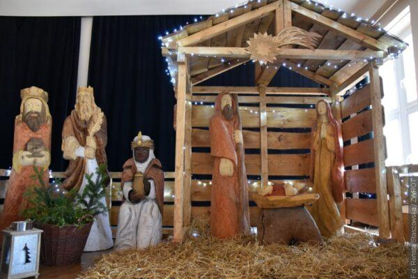 W jabłonkowskim ratuszu wystawiono szopkę bożonarodzeniową