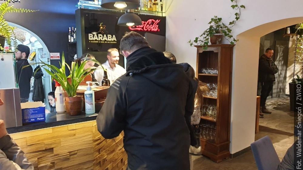 Jeden z lokali gastronomicznych w Cieszynie otwarty pomimo zakazu