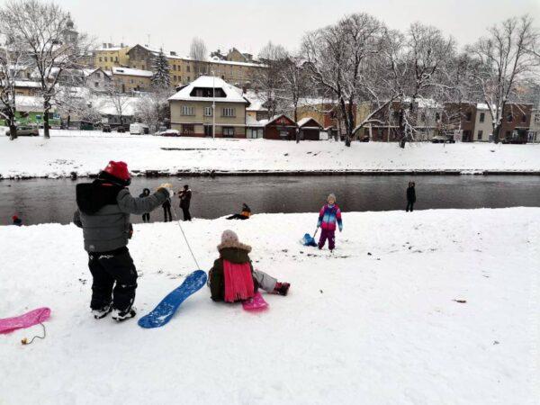 Zrobiło się zimowo. Nawet w centrum Czeskiego Cieszyna (zdjęcia)
