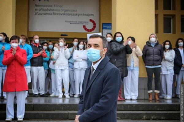 Województwo odwołało dyrektora szpitala. Pracownicy stanęli za nim murem