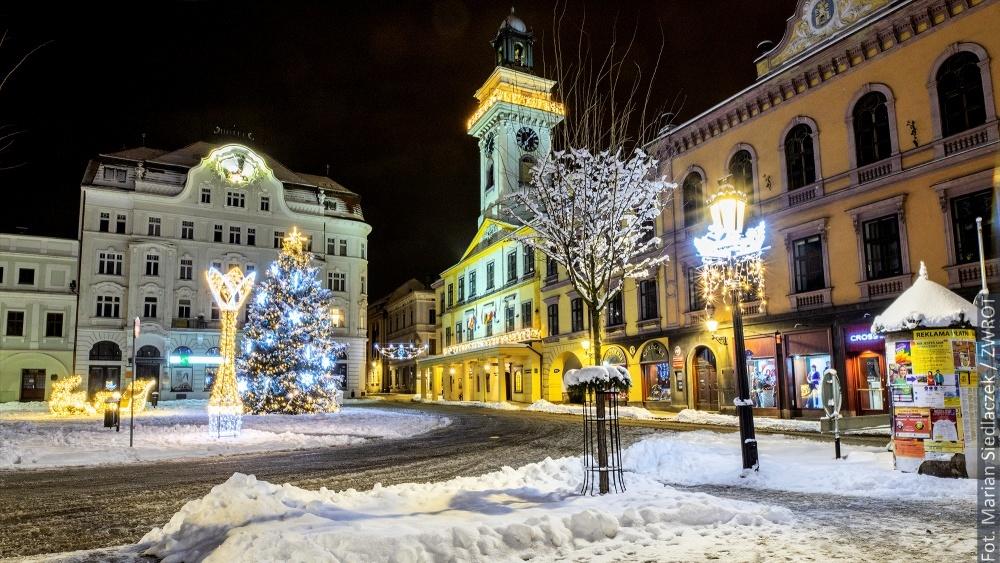 Zimowy wieczór w Cieszynie w obiektywie Mariana Siedlaczka