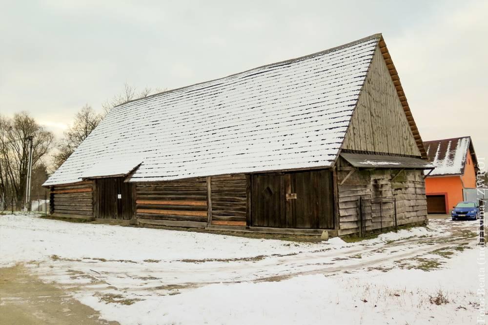 Spacery ze Zwrotem: stodoła w Lutyni Dolnej