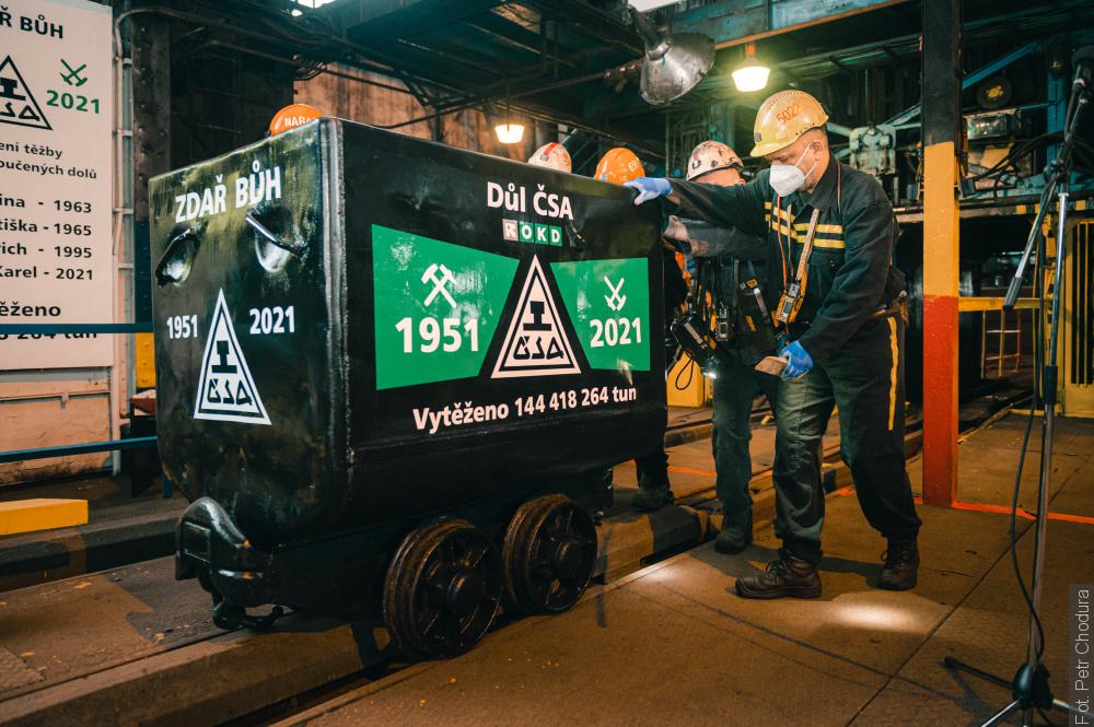 Wydobycie w kopalni ČSA zakończone. Górnicy wywieźli ostatni wózek węgla