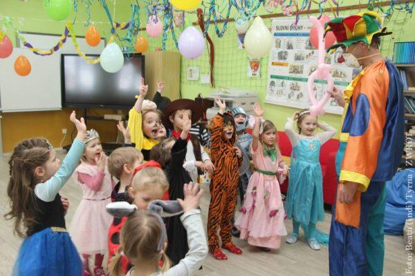 Dzieci w Olbrachcicach balowały