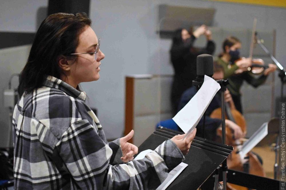 Dzisiaj w Radiu Ostrawa można posłuchać piosenek ludowych w wykonaniu Ewy Farnej