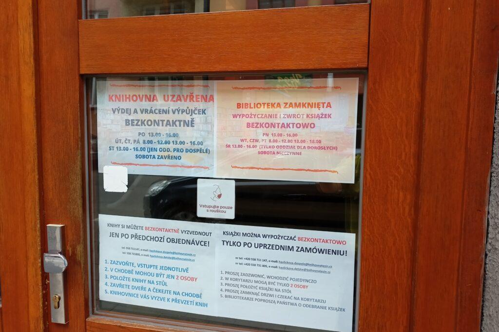 W bibliotekach również teraz można zamawiać książki przez tzw. okienko