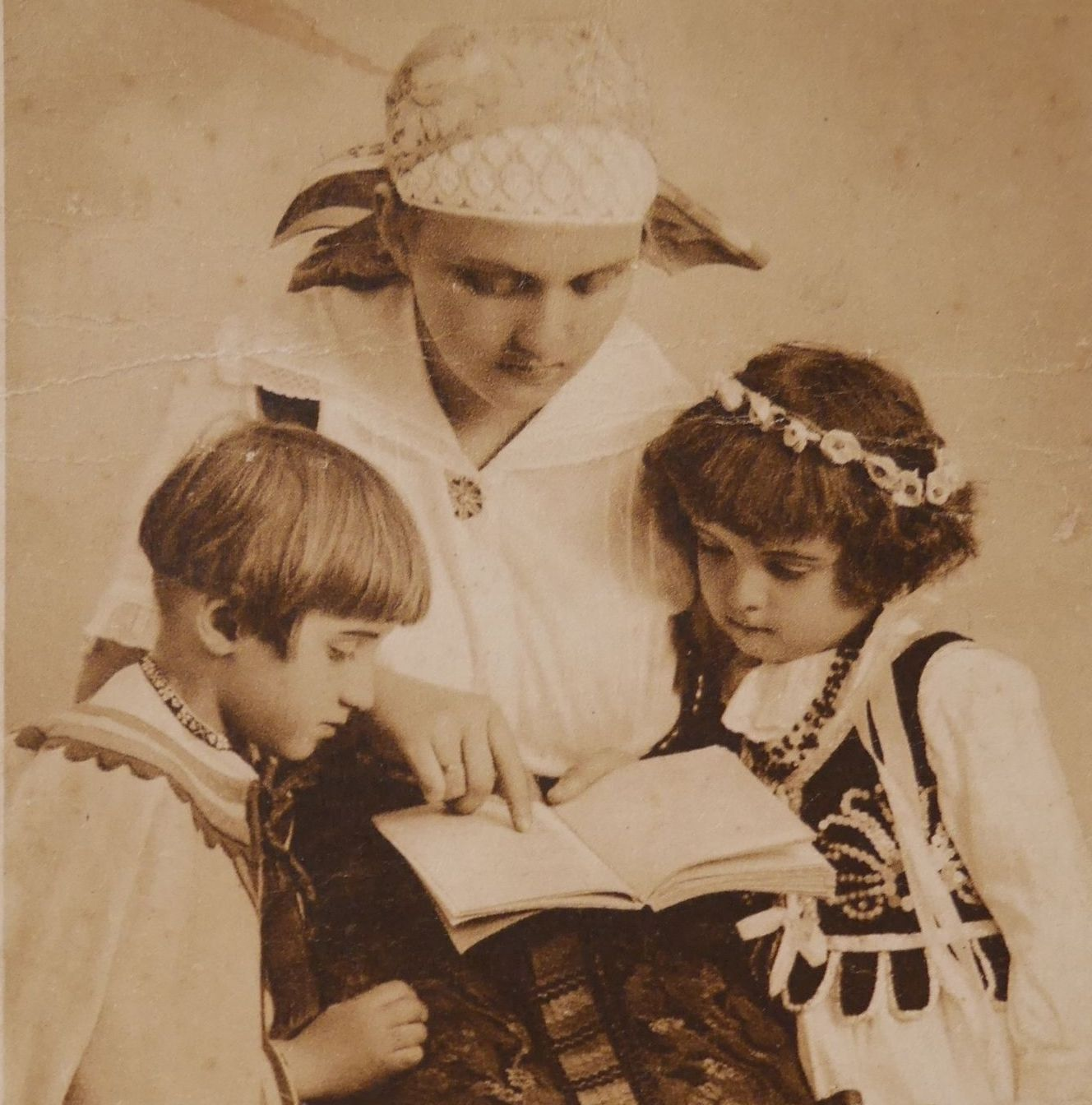 Wiadomości z przeszłości. Wszyscy wiedzą, że 8 marca obchodzi się… Dzień Matki