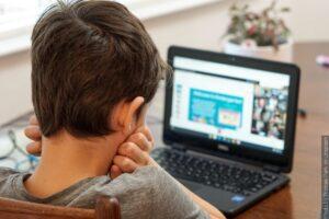 Kursy dla dziewiątoklasistów w tym roku odbywają się online