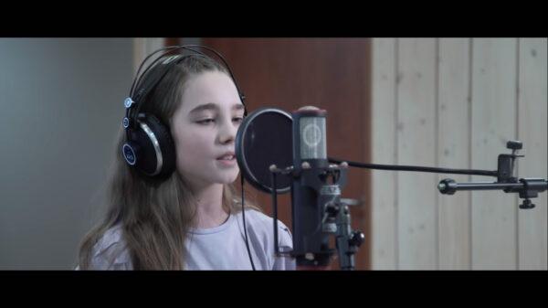 Utalentowana cieszyńska dziesięcioletnia wokalistka nagrała piosenkę z Piotrem Rubikiem
