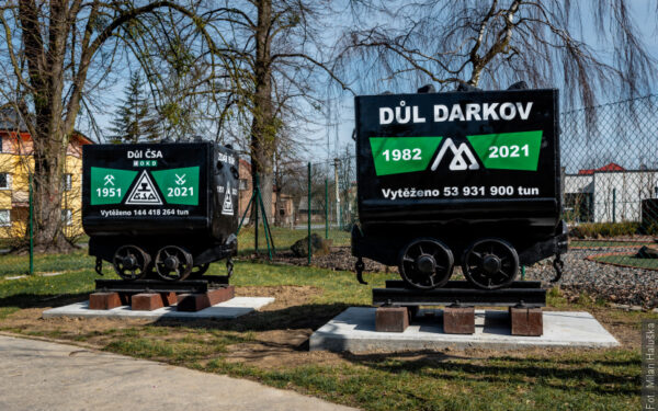 W Stonawie można obejrzeć ostatnie wózki wywiezione z kopalni Darków i ČSA