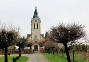 Spacery ze Zwrotem: Kościół ewangelicki w Dębowcu