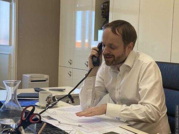 Telefoniczna rozmowa czeskiego i polskiego ministra spraw zagranicznych