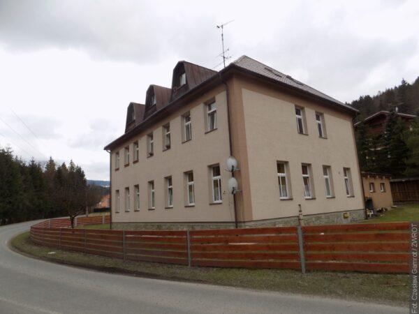Polskie szkoły, których nie ma: Była polska szkoła w Łomnej Górnej