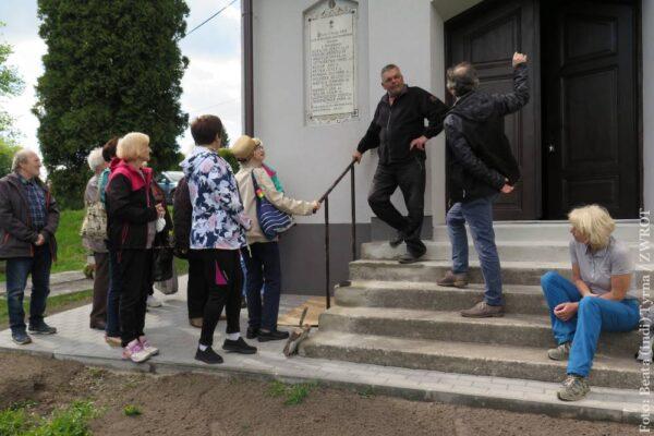 Zamiast corocznej wycieczki po Europie wybrali się na spacer do Koniakowa