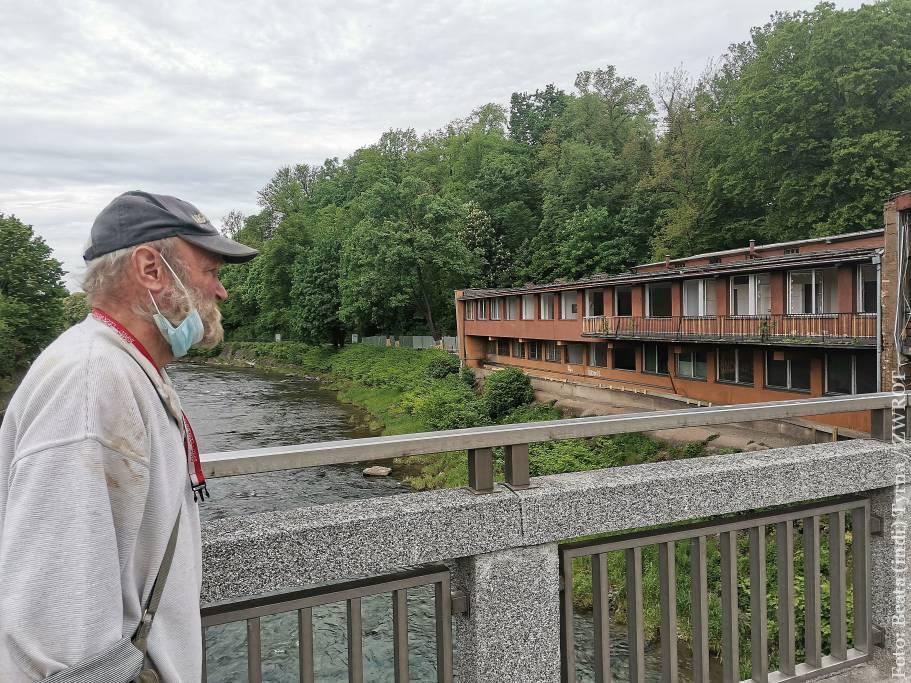 Trwają prace rozbiórkowe dawnego budynku celnego na moście Przyjaźni