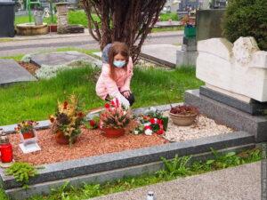 Z okazji Dnia Polonii i Polaków za Granicą konsul generalna złożyła kwiaty na grobach osób szczególnie zasłużonych dla Zaolzia