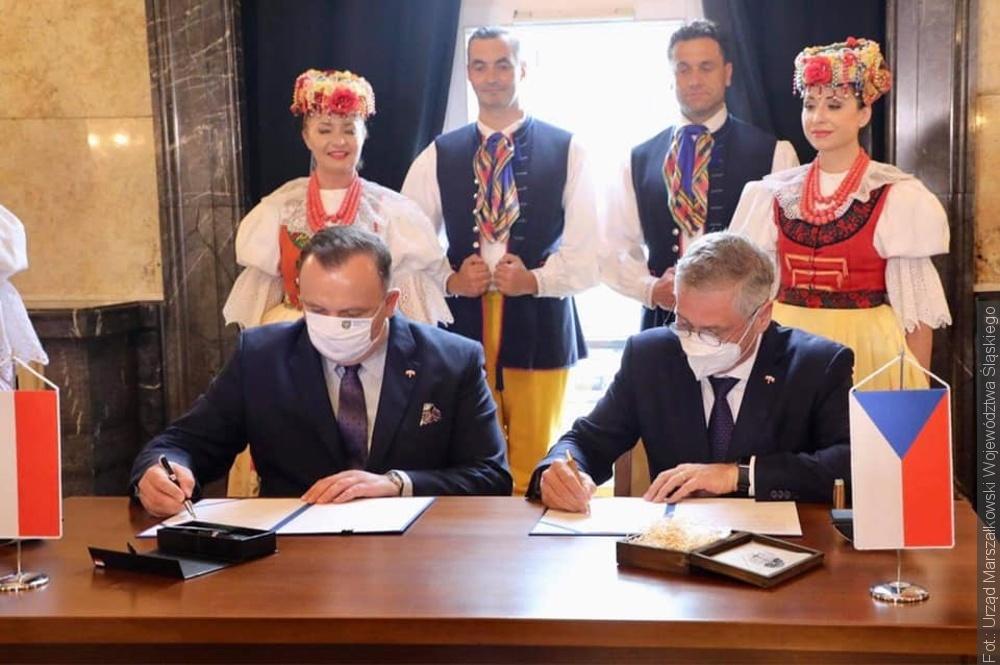 Hetman Vondrák podpisał porozumienie o współpracy z  marszałkiem województwa śląskiego Jakubem Chełstowskim