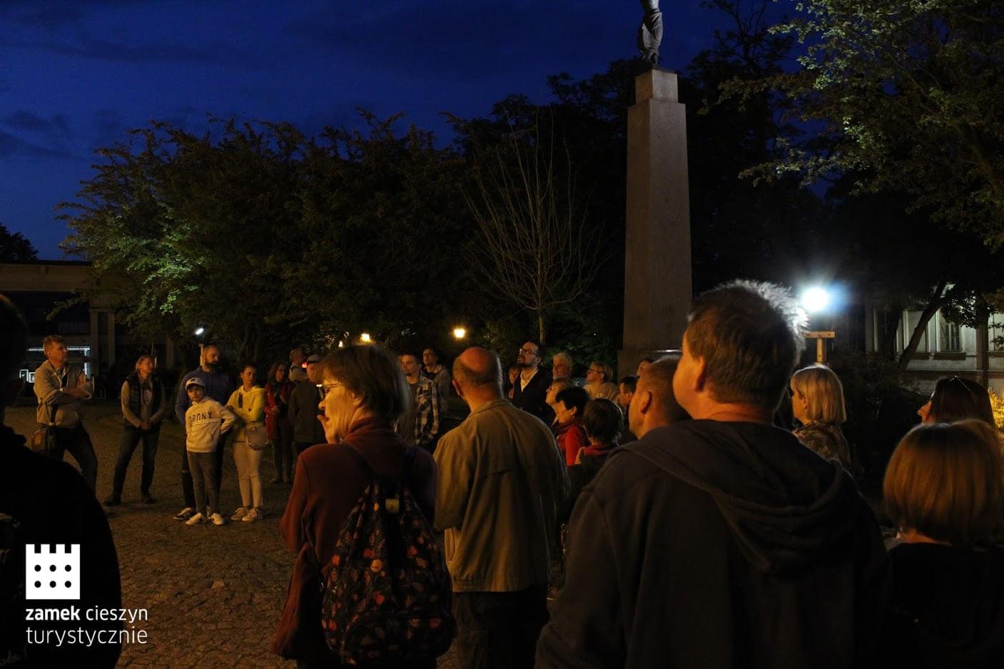 Nocny spacer z Zamkiem Cieszyn