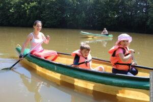 Zastanawiacie się, jak zapewnić dzieciom ciekawe wakacje? Mamy kilka propozycji