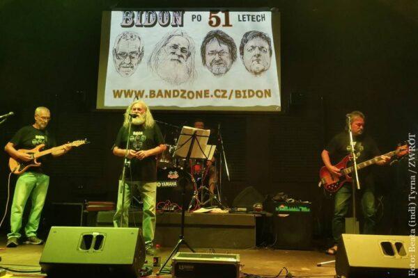 """Pół wieku bluesowo-rockowych """"Bidonów"""" na jabłonkowskiej scenie"""