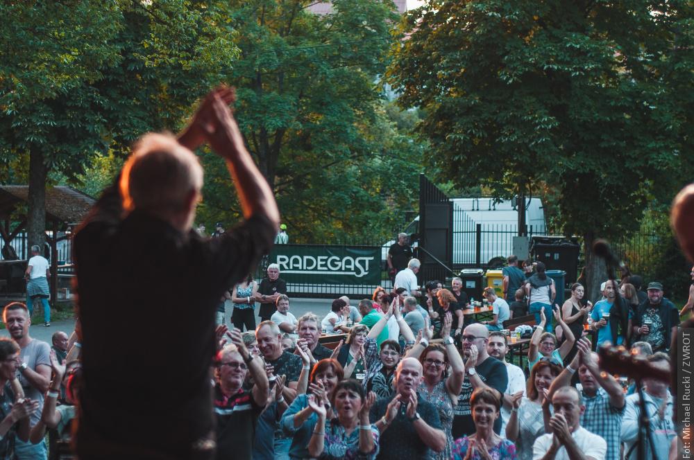 Historię polskiego rocka opowiedział w Bystrzycy zespół Contiband