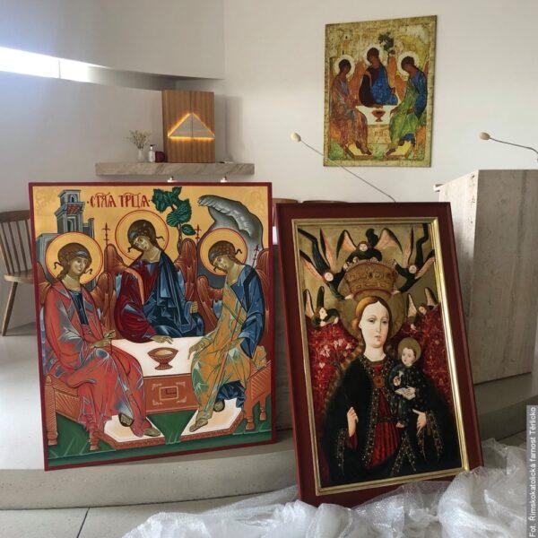 W cierlickiej kaplicy zainstalowano dwa nowe obrazy