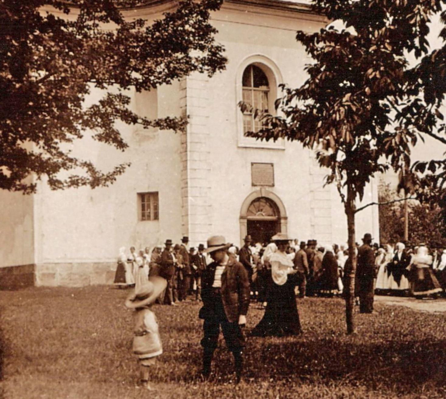 Wystawa dotycząca ks. Franciszka Michejdy będzie dostępna do 1 października w korytarzu ZG PZKO