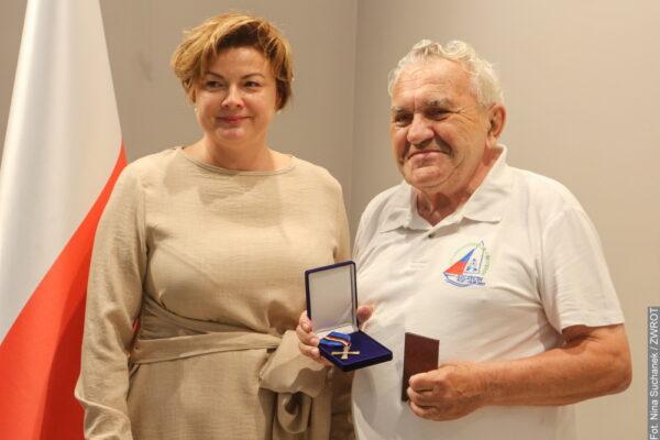 """Władysław Kristen został odznaczony medalem """"Opiekun Miejsc Pamięci Narodowej"""""""
