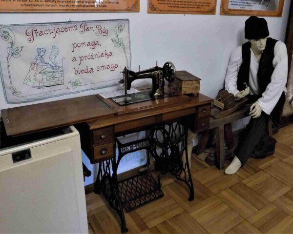 Muzeum Ustrońskie zaprasza na wystawę starych maszyn do szycia