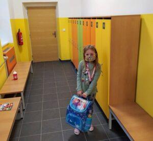 Nowe szafki dla uczniów pierwszego stopnia w polskiej szkole w Trzyńcu