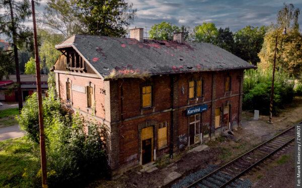 Dzisiaj można zobaczyć wnętrza uratowanego przed wyburzeniem dworca Frysztat