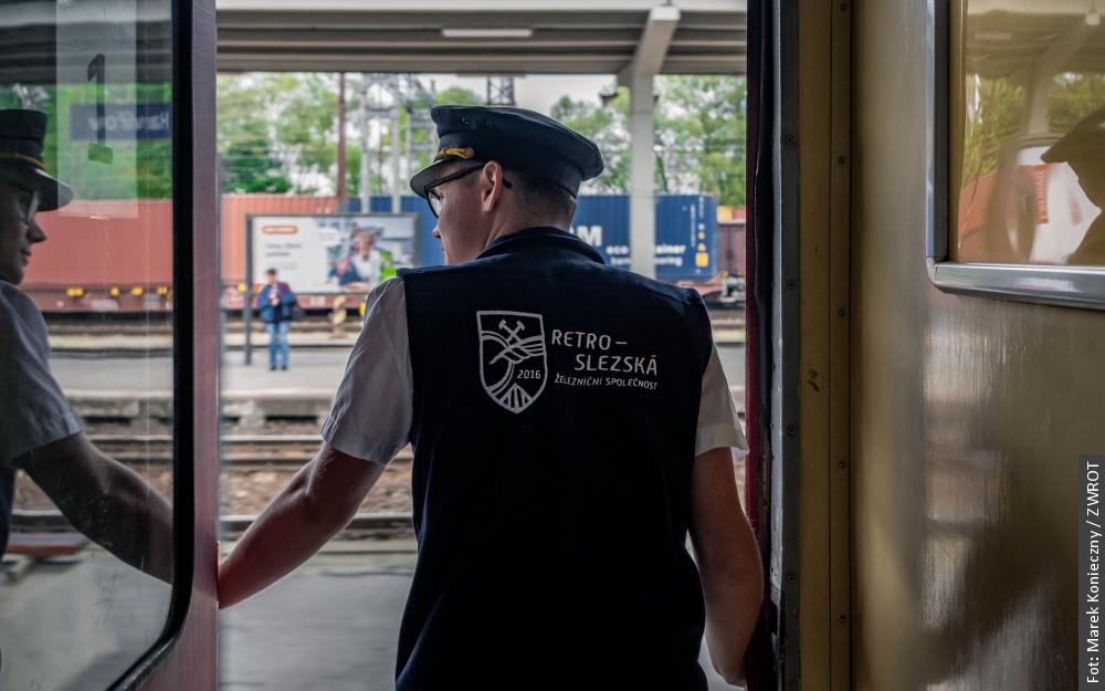 Sentymentalne przejażdżki górniczymi pociągami pośpiesznymi