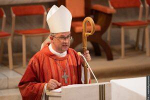 Biskup wręczył nagrody za pracę dla kościoła. Wśród nagrodzonych również polskie katechetki